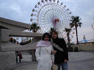 2005_01_02_Ai_and_Junya_at_Mosaic_Garden_Kobe.jpg